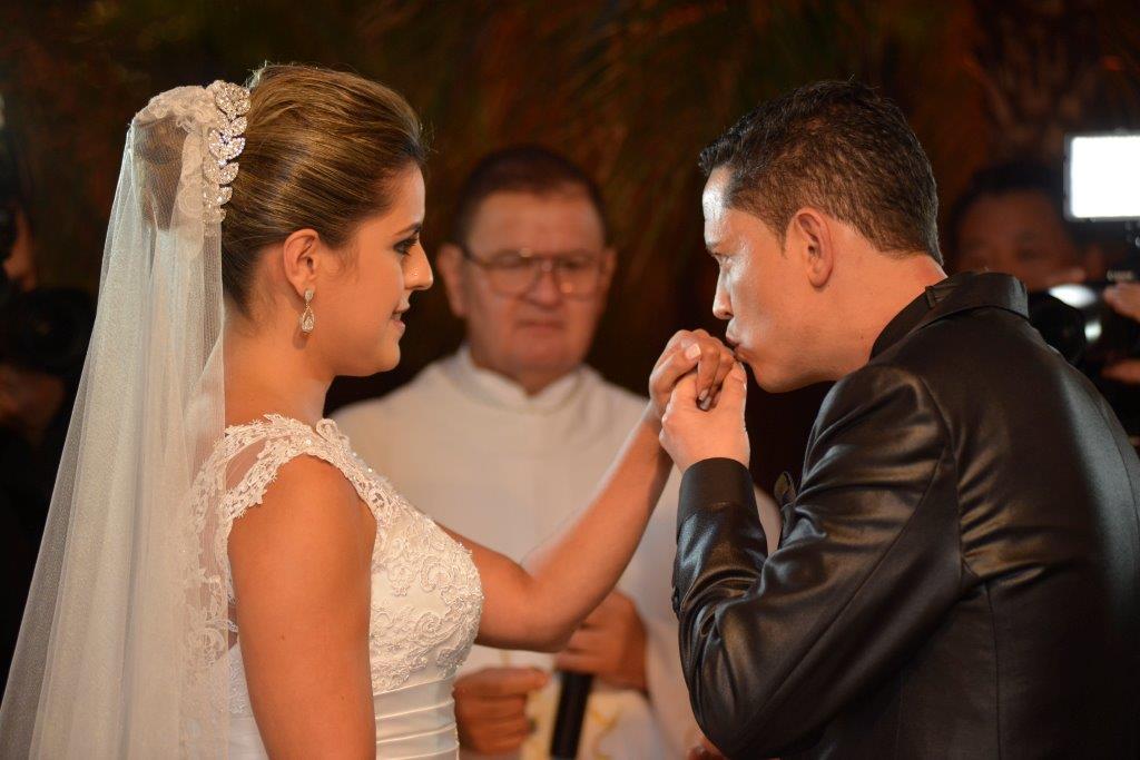e2cb341b158 Alianca-Casamento-Blog Outra é de que o dedo anelar da mão esquerda ...