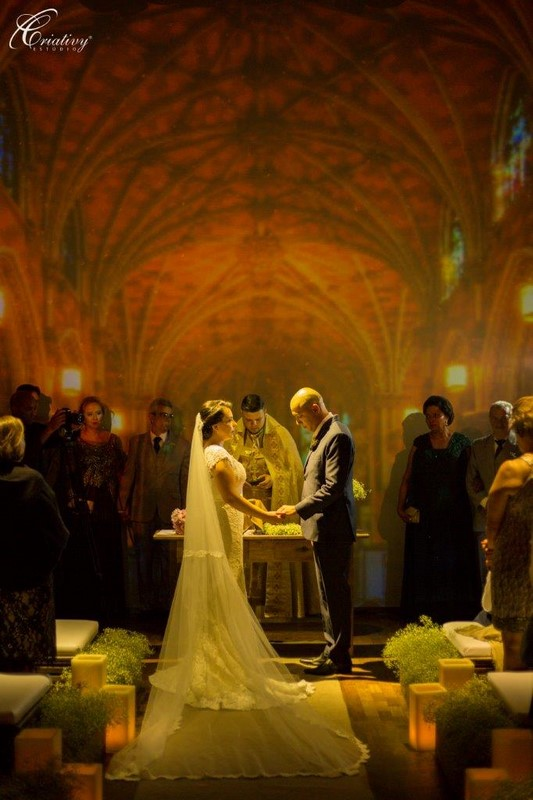 casamento cerimonia no local projeção mapeada