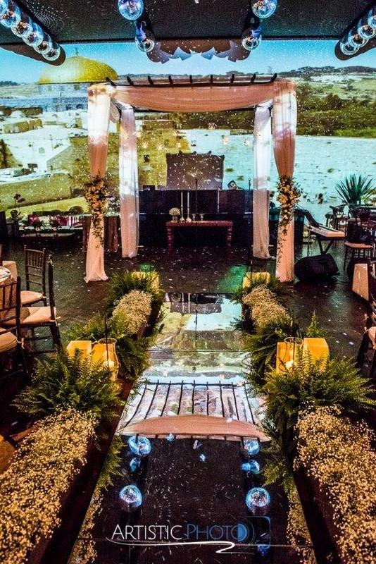 espaço casamento cerimonia com projeção mapeada