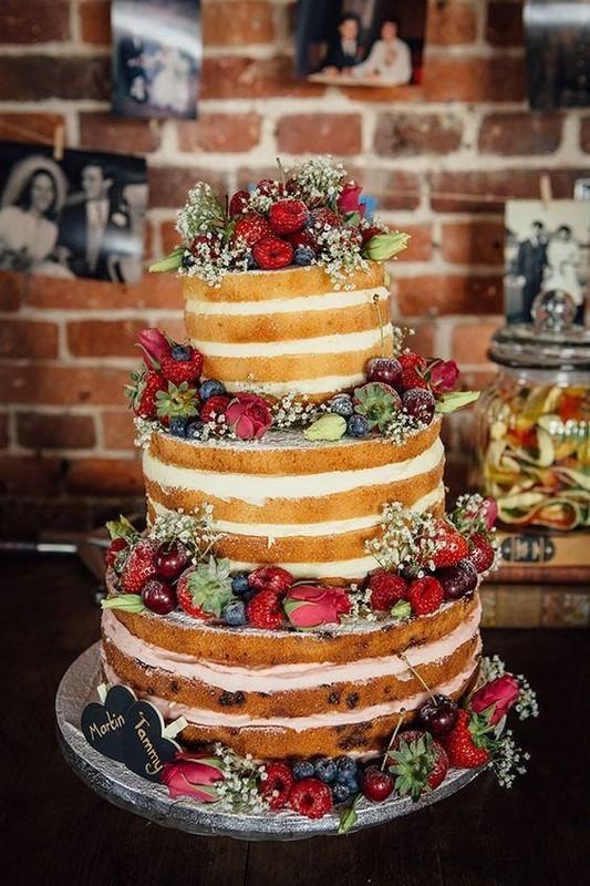 Naked cake é a nova tendência em bolos para casamentos