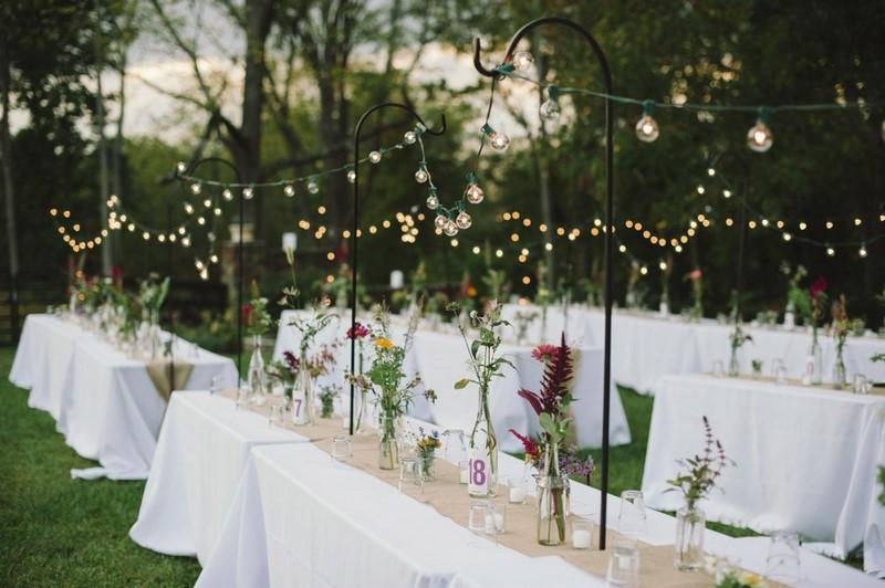 varal de luzes para iluminação de casamento