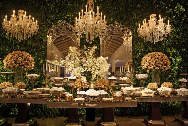 decoracao-com-muro-verde-folhagens-para-casamento