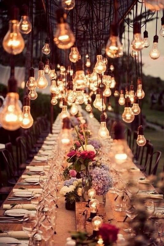 iluminação de casamento com varal de luzes para