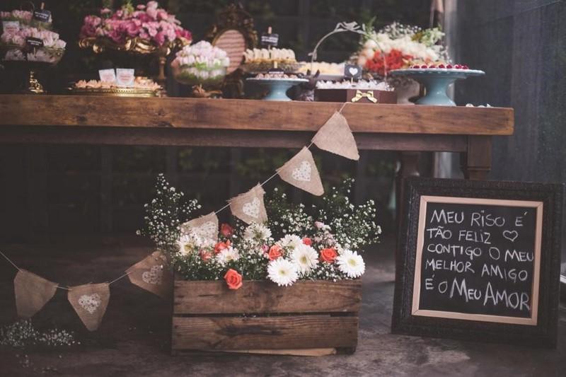 lousinha na decoração mesa de doces