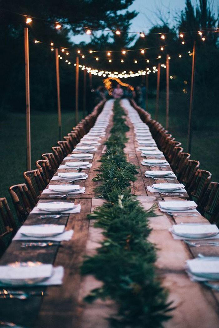 mesa comunitária para festa de casamento
