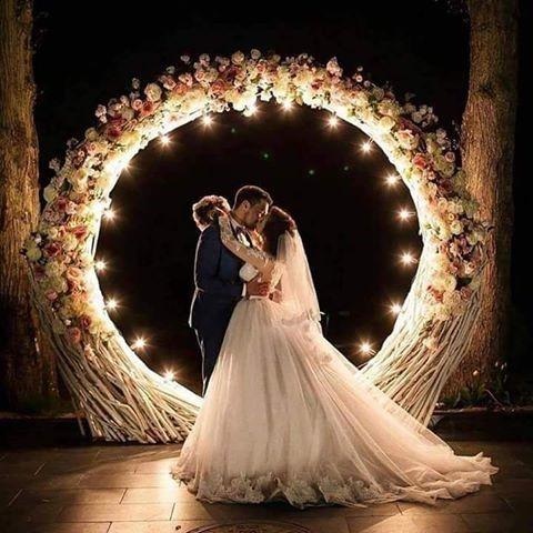 tendência de decoração de casamento em 2018 arcos de guirlandas