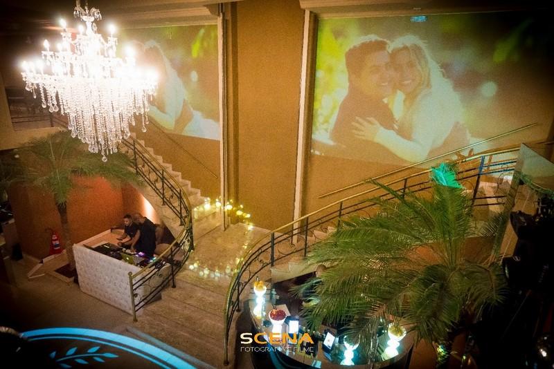 espaço para casamento com projeção mapeada em pinheiros
