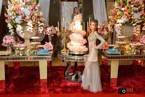 mesa de doces para festa de debutante