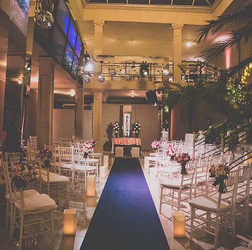cerimônia e festa de casamento no salão