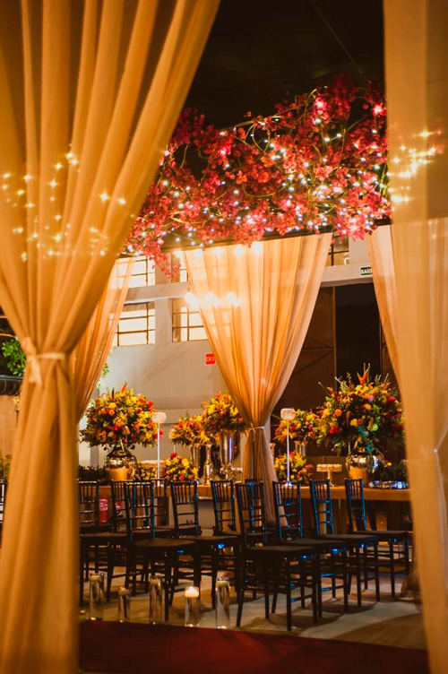 decoração aerea luzinhas casamento