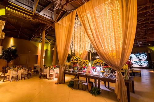 decoração casamento com luzinhas
