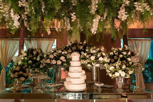 decoração casamento mesa de doces com espelho