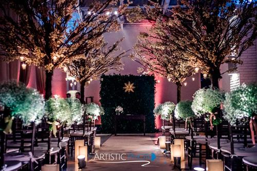 decoração com velas  para casamento com cerimônia no local
