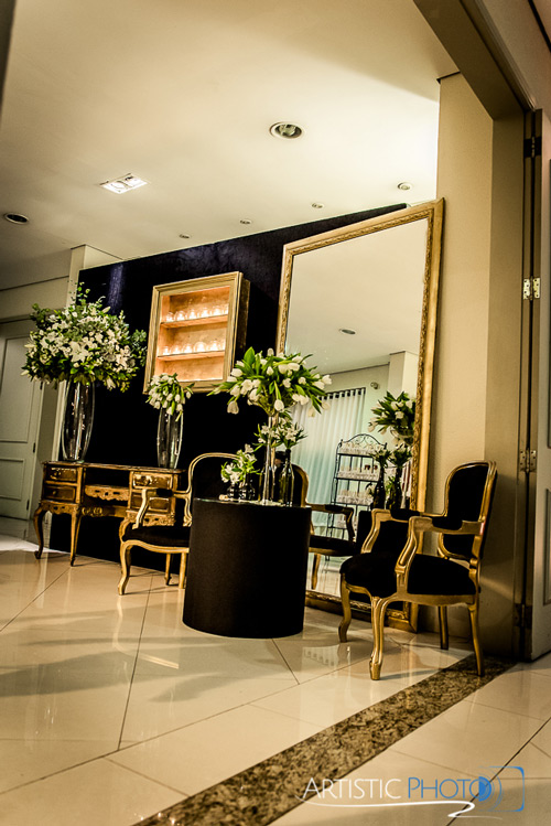 decoração do lounge com espelho casamento
