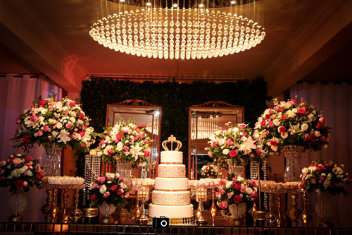 decoração mesa de doces com espelho casamento