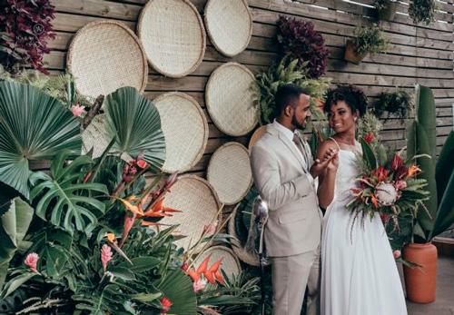 decoração tropical para casamento