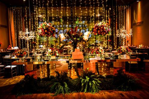 mesa de doces decoração com luzinhas